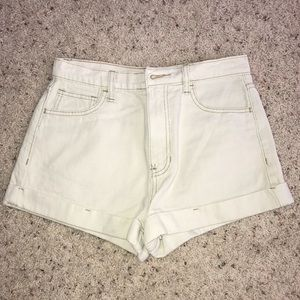 NWOT High-Waisted Light Denim Shorts